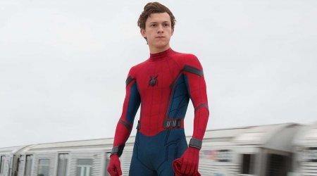 spiderman-tom-holland-450x250.jpg